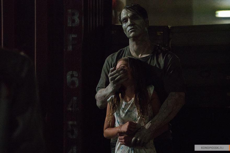 Скачать лучшие картинки и кадры фильма день мертвецов: злая кровь бесплатно