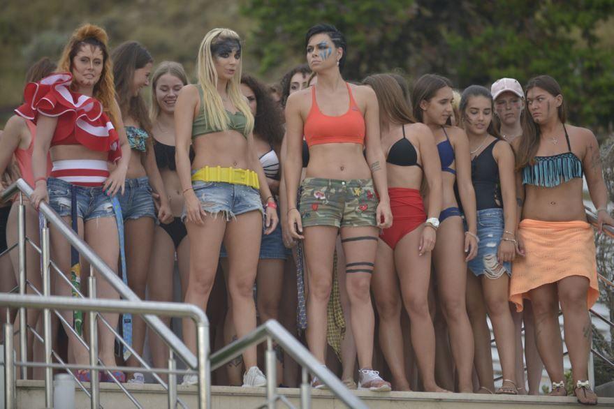 Фото и картинки фильма женщины против мужчин: крымские каникулы, который вышел в кинотеатре в 1080 hd