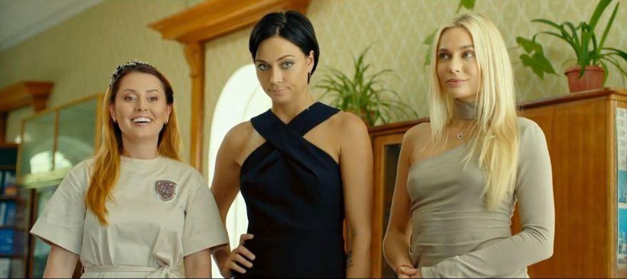 Скачать лучшие картинки и кадры фильма женщины против мужчин: крымские каникулы бесплатно