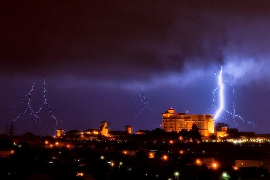 Ночное фото город Кампинас