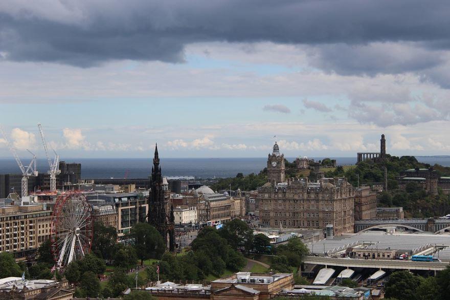 Панорама города Эдинбург 2019