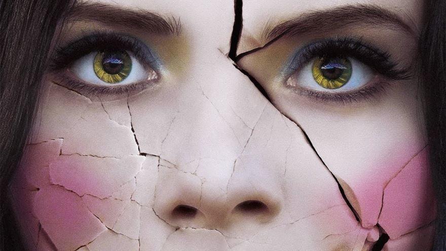 Смотреть бесплатно постеры и кадры к фильму Страна призраков онлайн