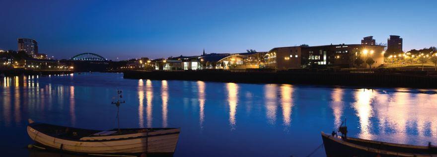 Ночное фото города Сандерленд Великобритания