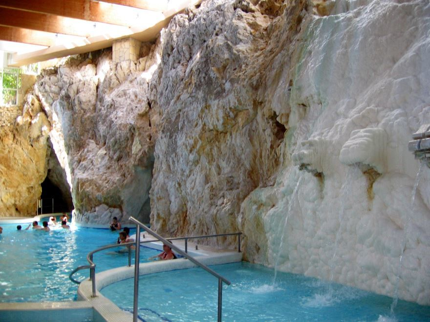 Пещерные купальни город Мишкольц