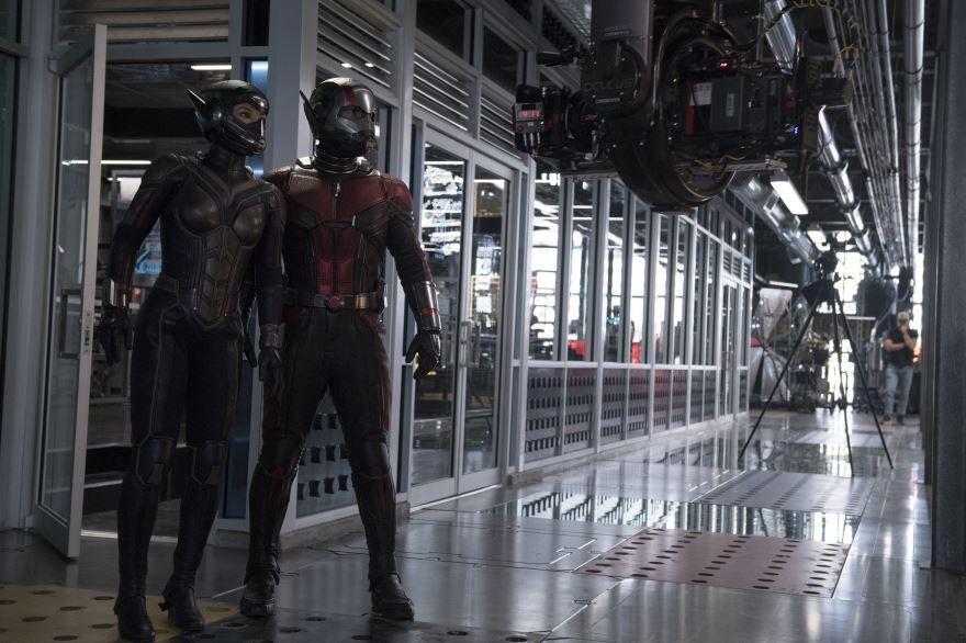 Смотреть бесплатно постеры и кадры к фильму Человек-муравей и Оса онлайн