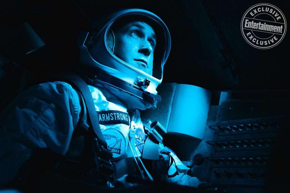 Смотреть бесплатно постеры и кадры к фильму Человек на Луне онлайн