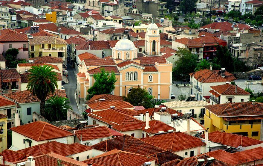 Смотреть красивое фото город Каламата