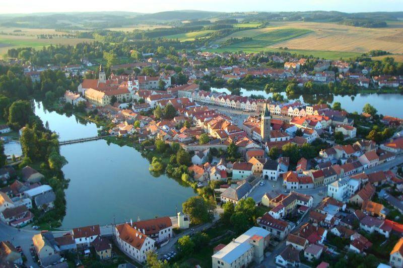 Вид на город Тельч