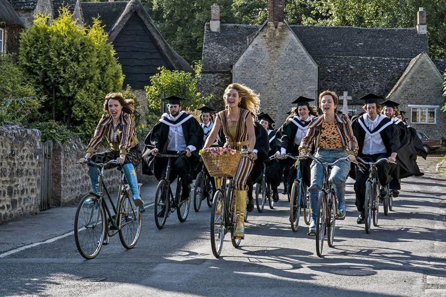 Смотреть бесплатно постеры и кадры к фильму Mamma Mia! 2 онлайн