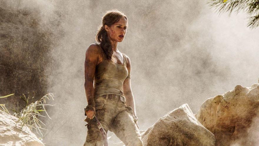 Смотреть бесплатно постеры и кадры к фильму Tomb Raider: Лара Крофт онлайн