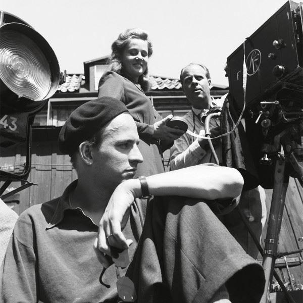 Смотреть бесплатно постеры и кадры к фильму Бергман онлайн