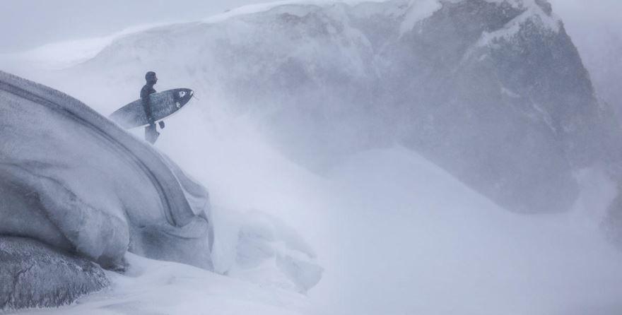 Смотреть бесплатно постеры и кадры к фильму Прибой онлайн