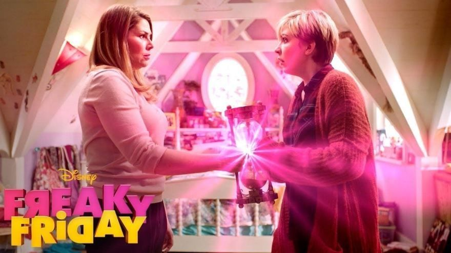 Смотреть бесплатно постеры и кадры к фильму Чумовая пятница онлайн