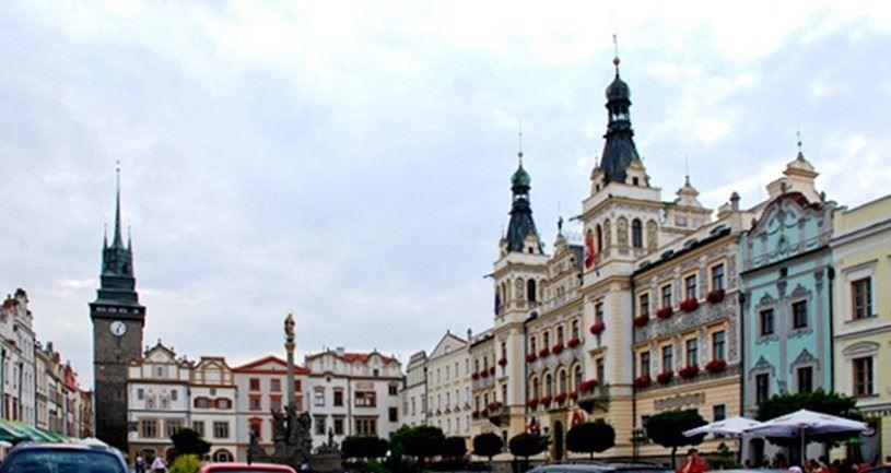 Скачать онлайн бесплатно лучшее фото город Пардубице в хорошем качестве