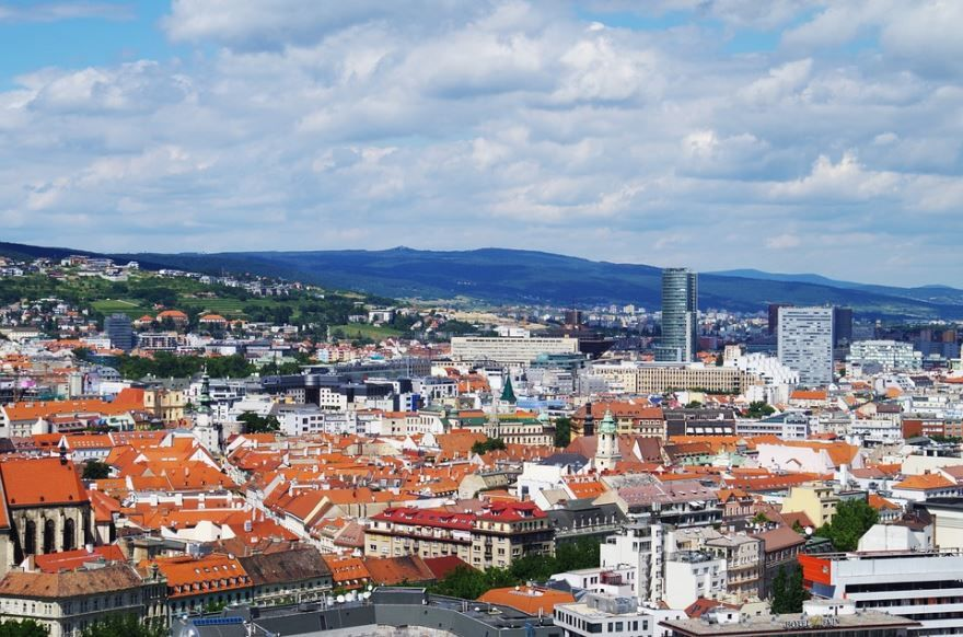 Скачать онлайн бесплатно лучшее фото город Братислава в хорошем качестве