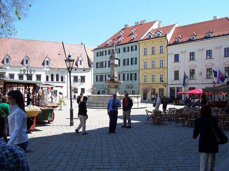 Улица город Братислава 2019