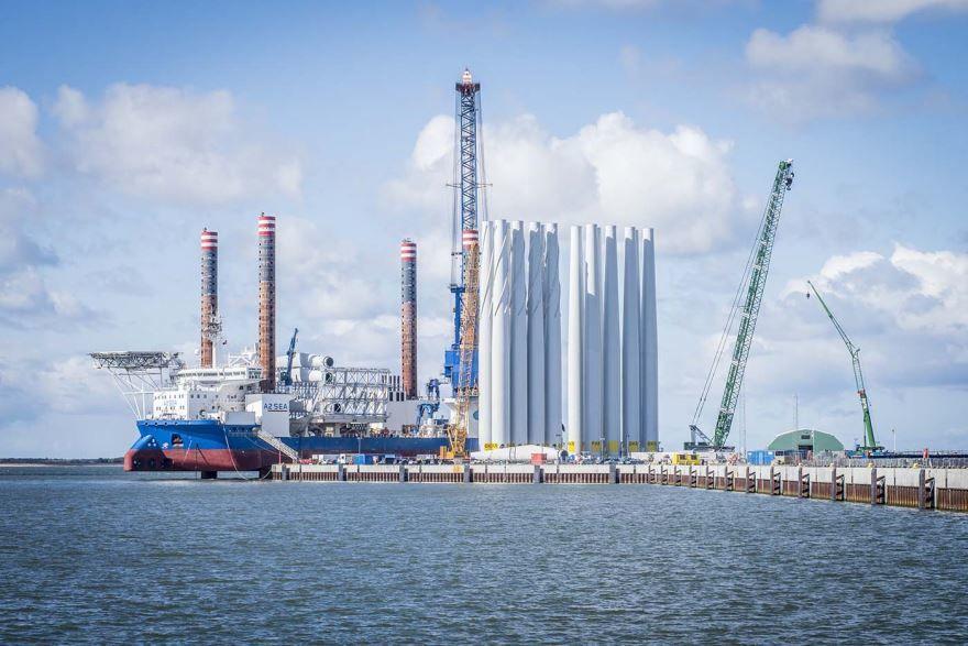 Порт город Эсбьерг Дания