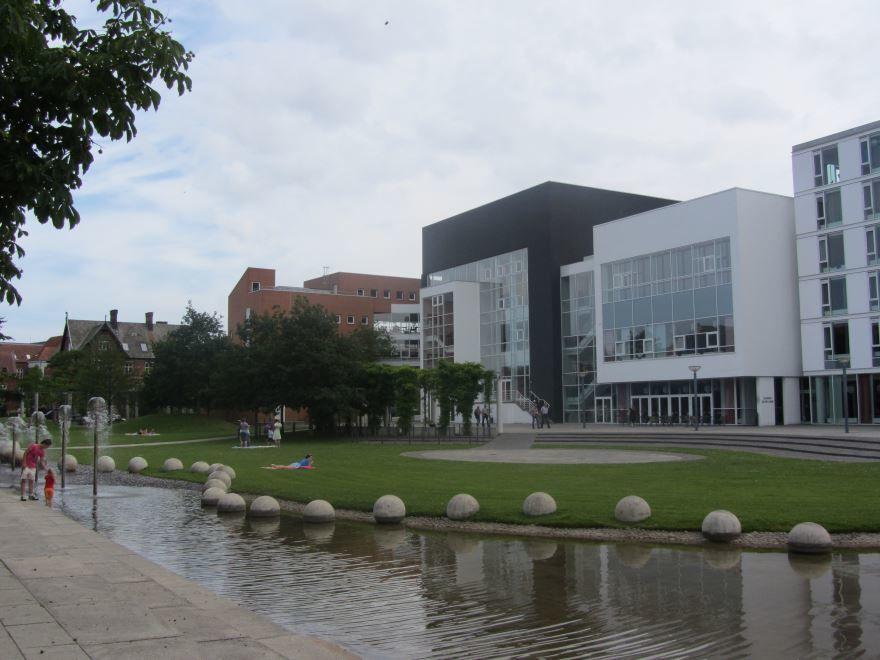 Музыкальный театр город Вайле