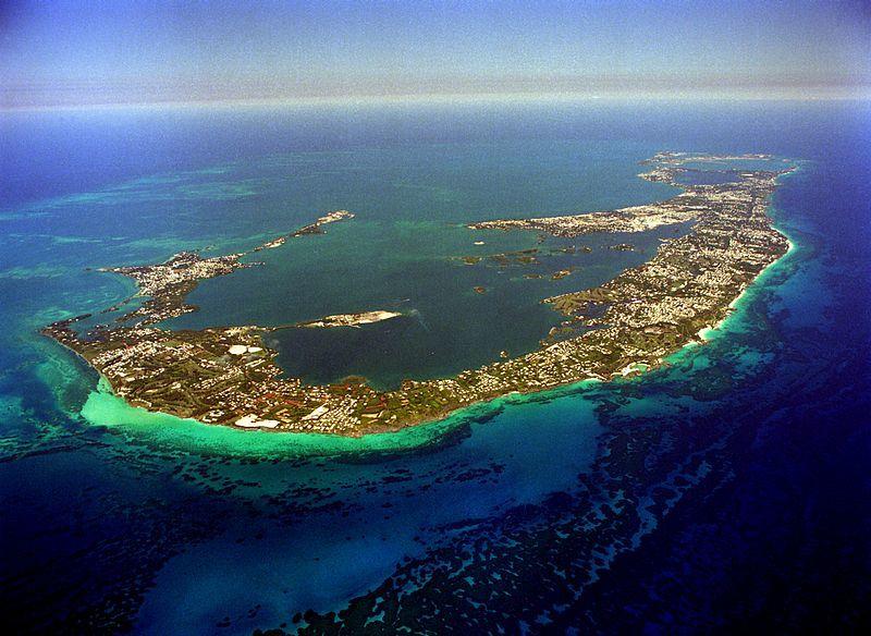 Вид сверху на Бермудские острова