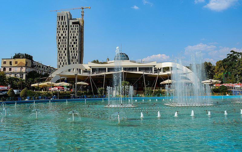 Скачать онлайн бесплатно лучшее фото город Тирана в хорошем качестве