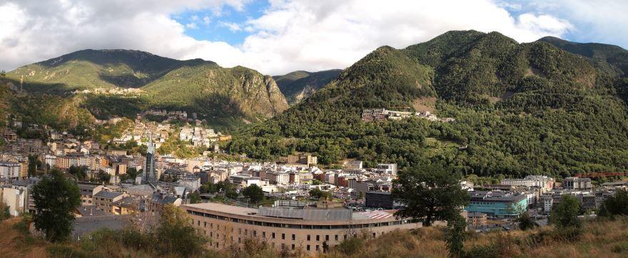 Скачать онлайн бесплатно лучшее фото город Андорра-ла-Велья в хорошем качестве