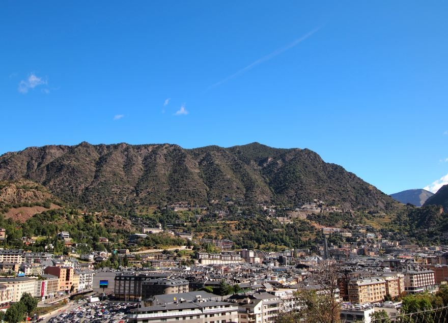 Панорама города Андорра-ла-Велья