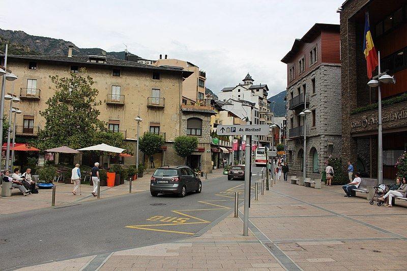 Улица города Андорра-ла-Велья