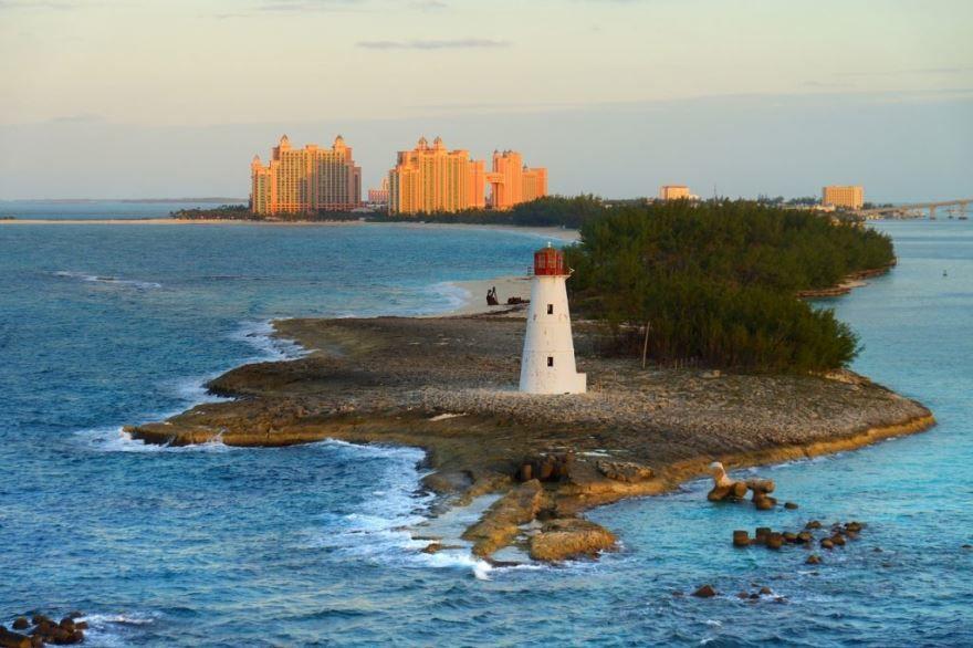 Смотреть красивое фото маяк на Багамах