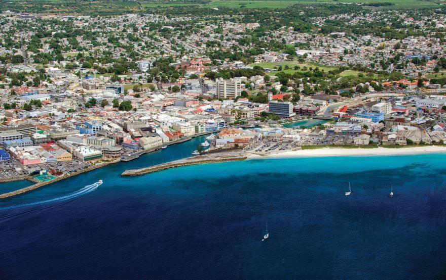 Вид на город Бриджтаун Барбадос