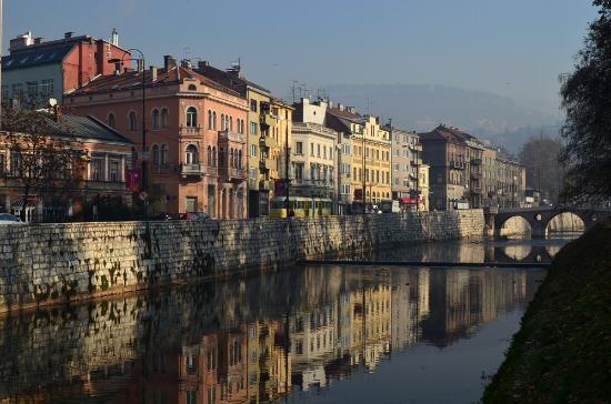 Скачать онлайн бесплатно лучшее фото город Сараево в хоошем качестве
