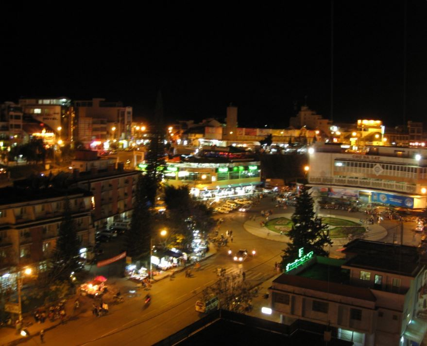 Ночное фото города Далат Вьетнам