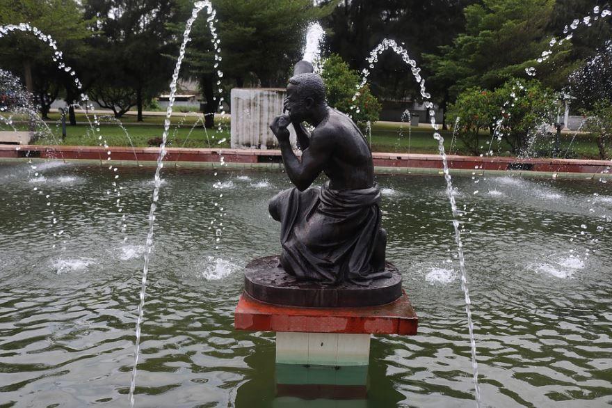 Смотреть красивое фото фонтан город Аккра 2019