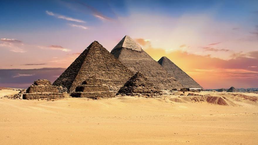 Скачать онлайн бесплатно лучшее фото пирамиды Египет в хорошем качестве