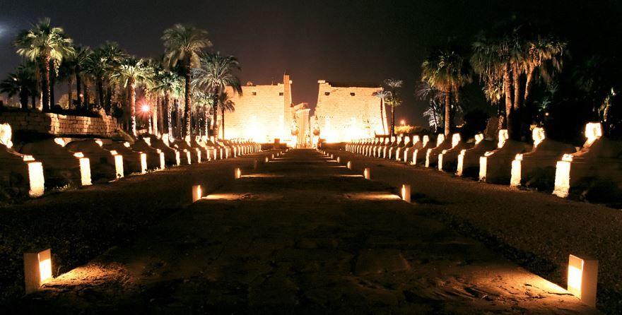 Ночное фото город Луксор