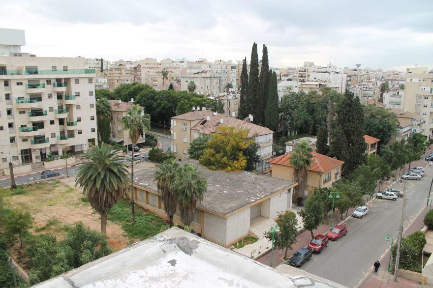 Вид на город Петах-Тиква