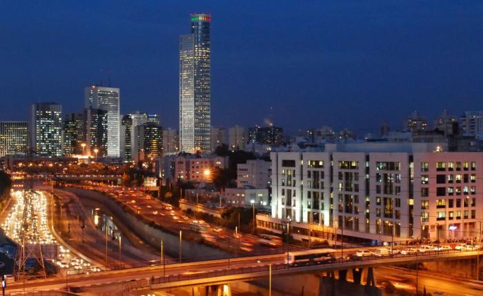 Ночное фото города Рамат-Ган Израиль
