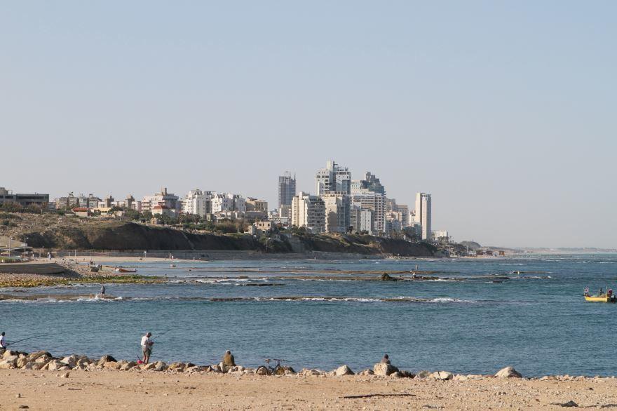 Вид на город Бат-Ям