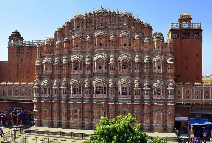 Дворец город Джампур
