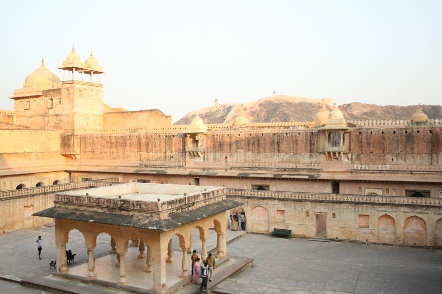 Янтарный Форт Джампур Индия