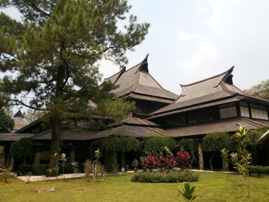 Город Бандунг Индонезия