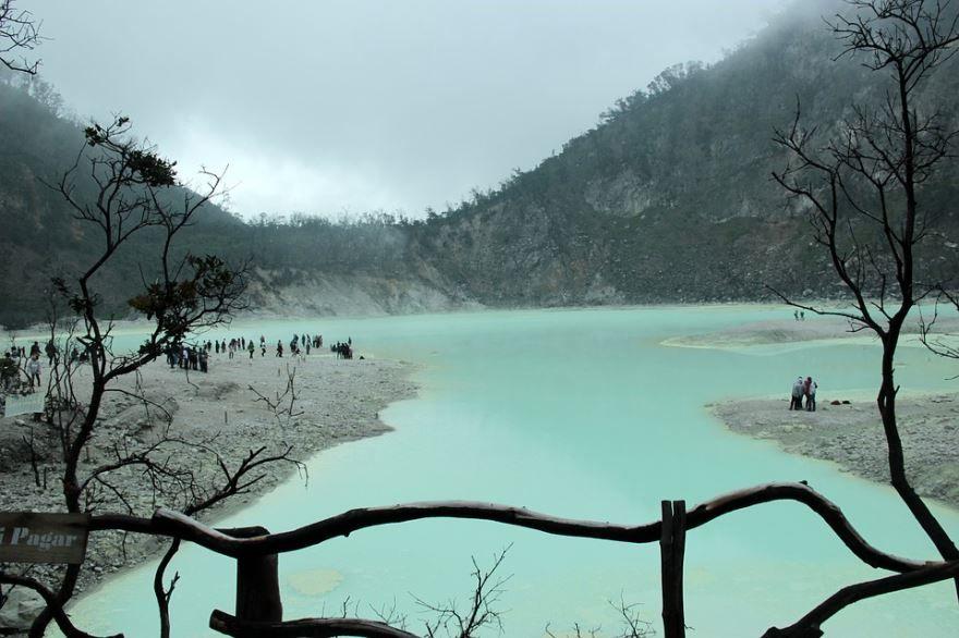 Белый кратер город Бандунг