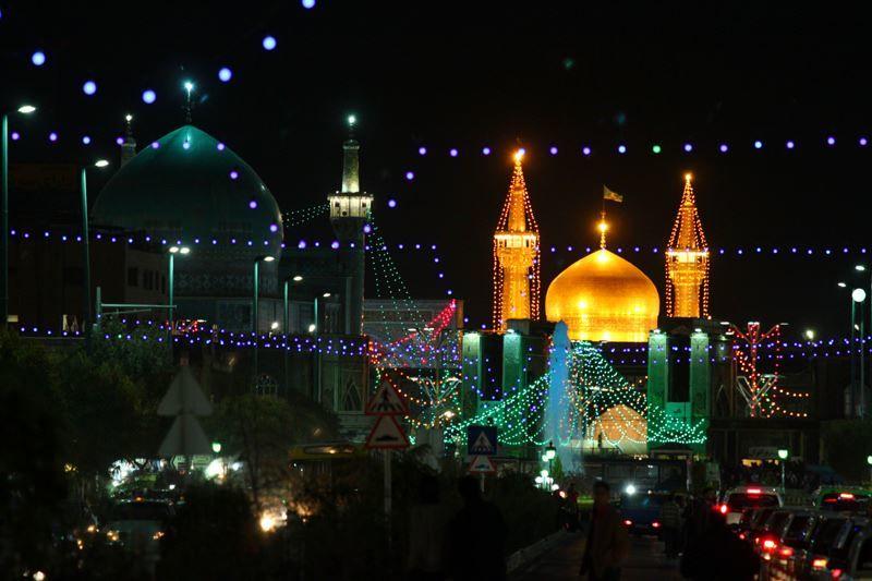 Смотреть красивое ночное фото города Мешхед Иран