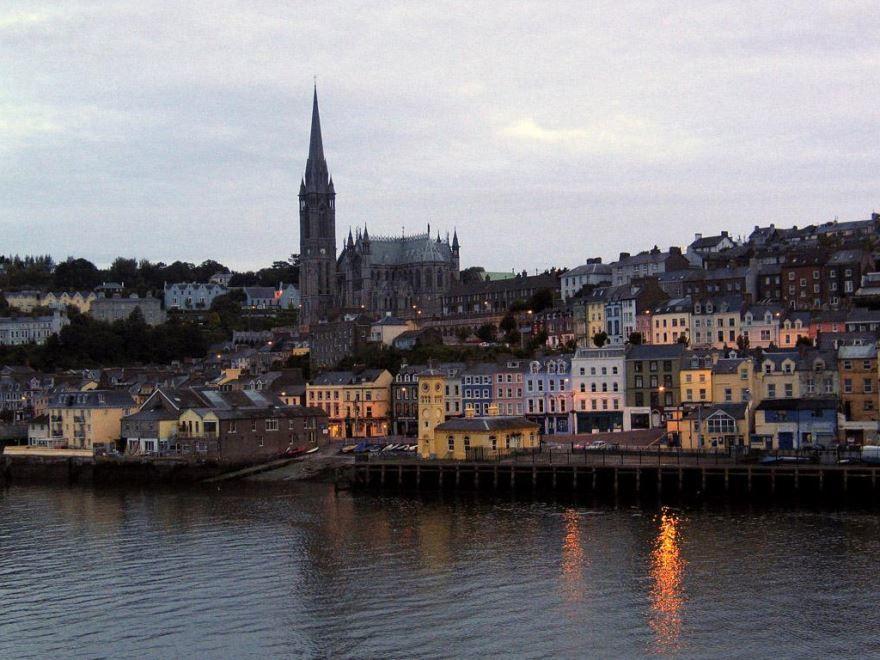 Вид с реки город Корк