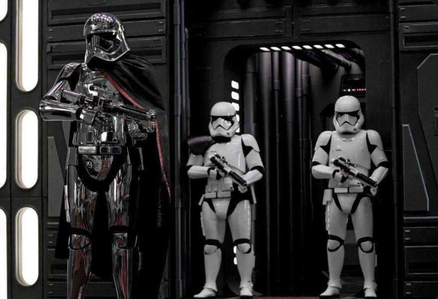 Бесплатные кадры к фильму Звездные войны: последние джедаи в качестве 1080 hd