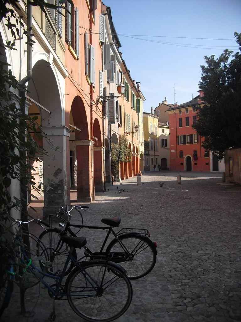 Улица город Модена