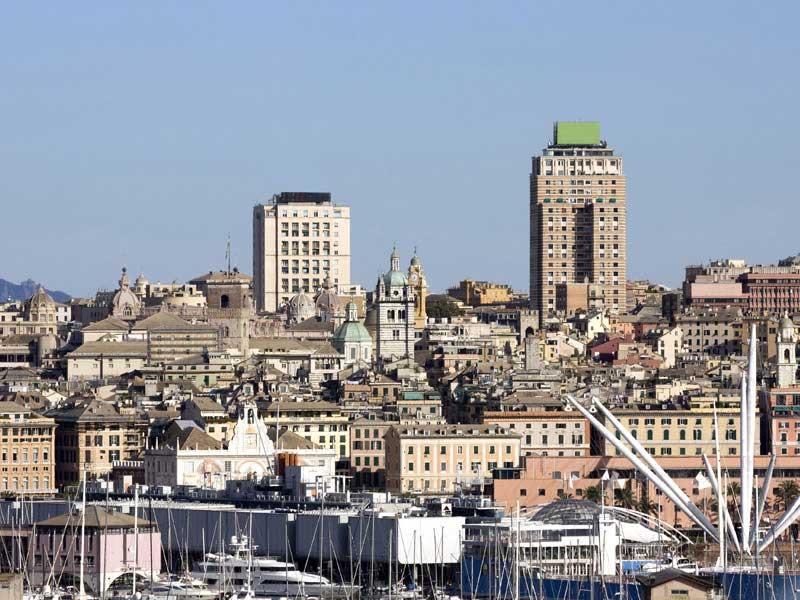 Скачать онлайн бесплатно лучшее фото город Генуя в хорошем качестве