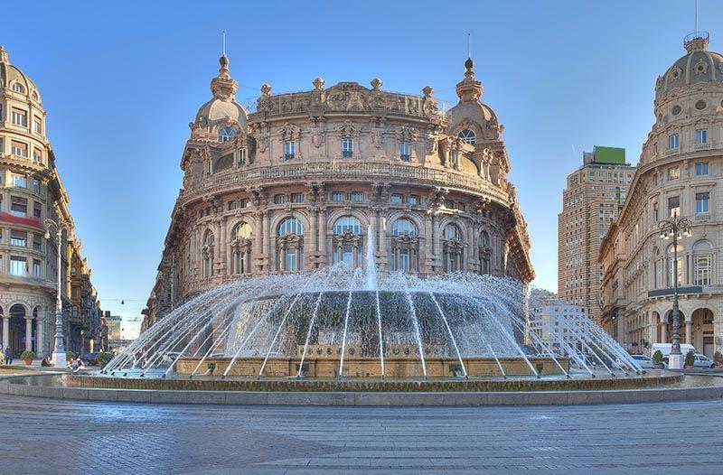 Площадь Феррари город Генуя