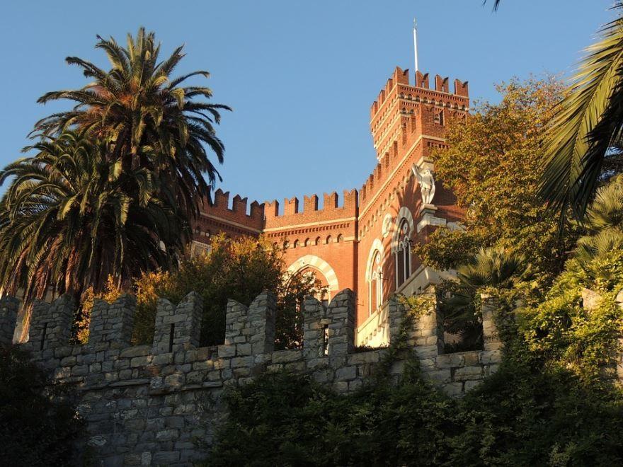 Замок город Генуя
