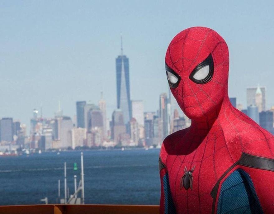 Скачать бесплатно постеры к фильму Человек-паук: возвращение домой в качестве 720 и 1080 hd