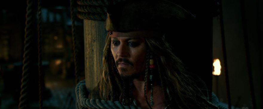 Смотреть бесплатно постеры и кадры к фильму Пираты карибского моря онлайн